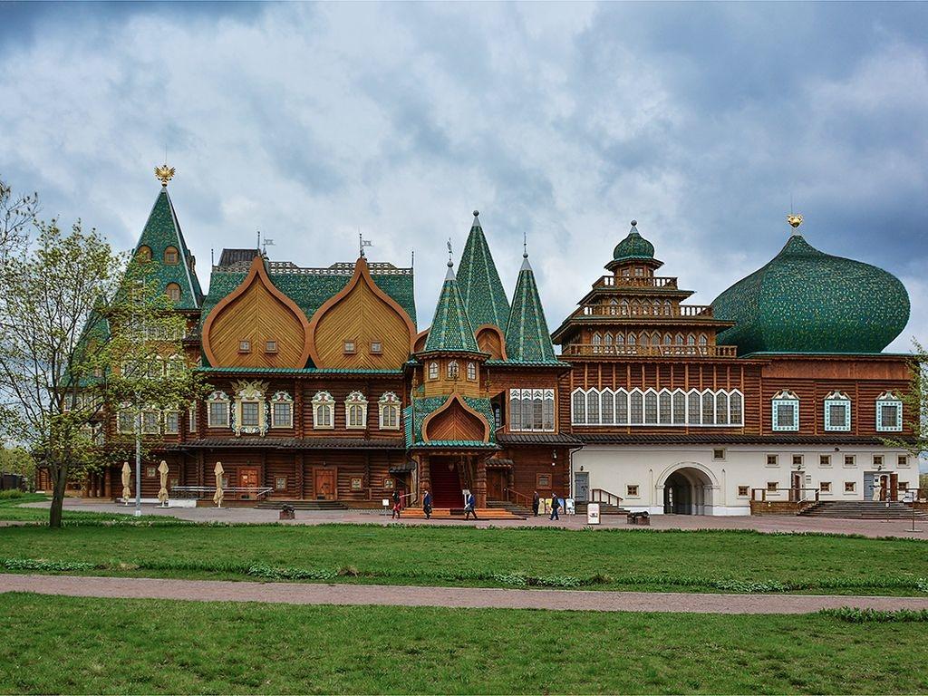 Выставка «Государевы потешники: театральная культура России XVII столетия» в Коломенском