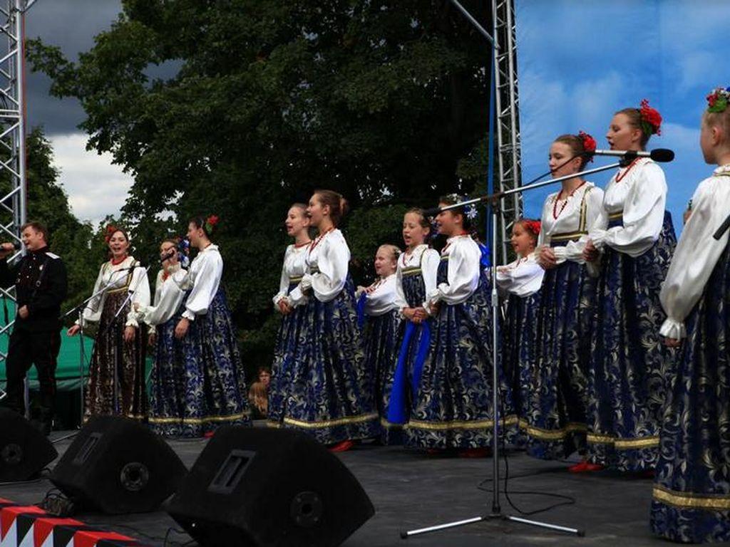 Любимые советские песни и классические произведения в Коломенском