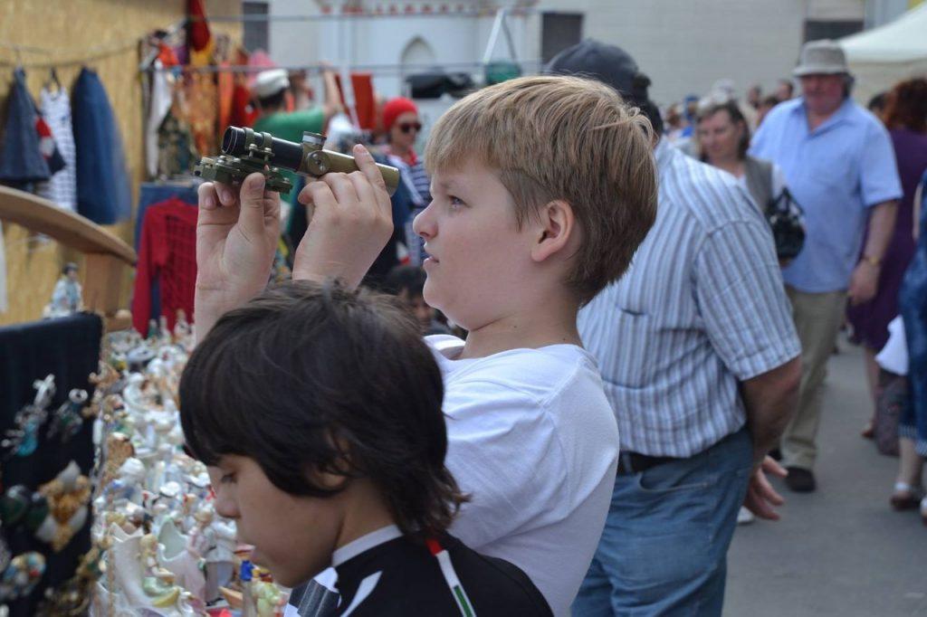 Детский базар на городском блошином рынке, выходные дни 28-29 июля