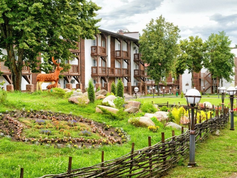 Отель кронвел парк Яхонты Таруса