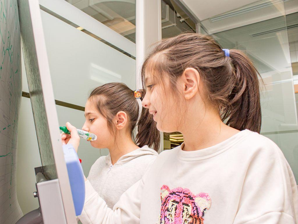 Увлекательные занятия в мовсковской школе программирования Coddy