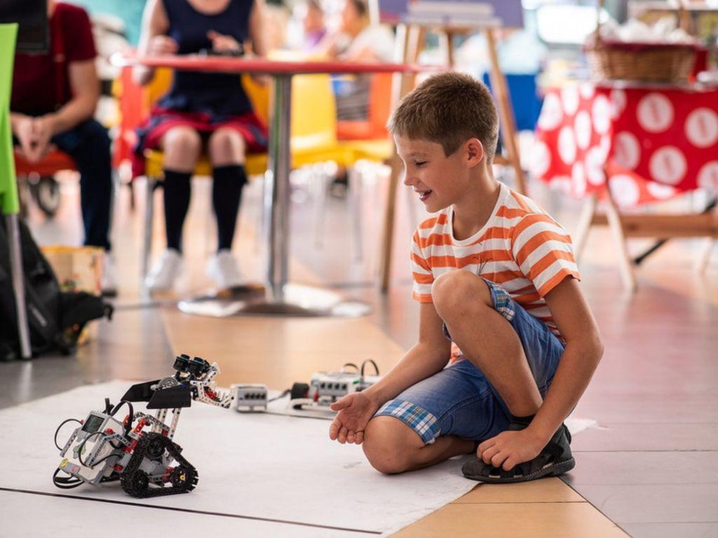 Строим роботов
