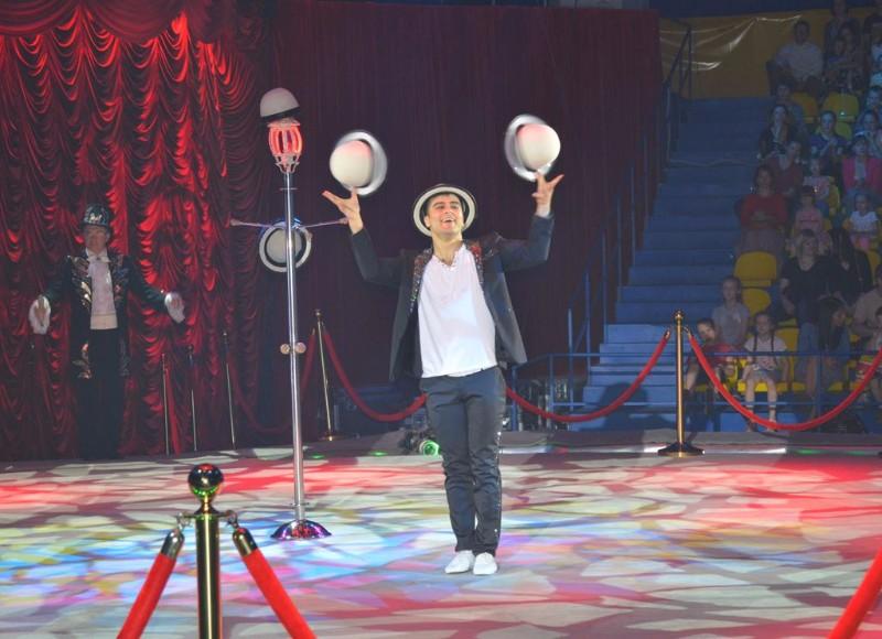 Цирк на речном выступление