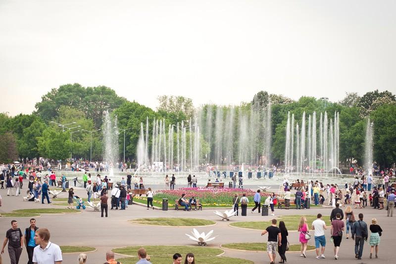 фонтаны в парке горького