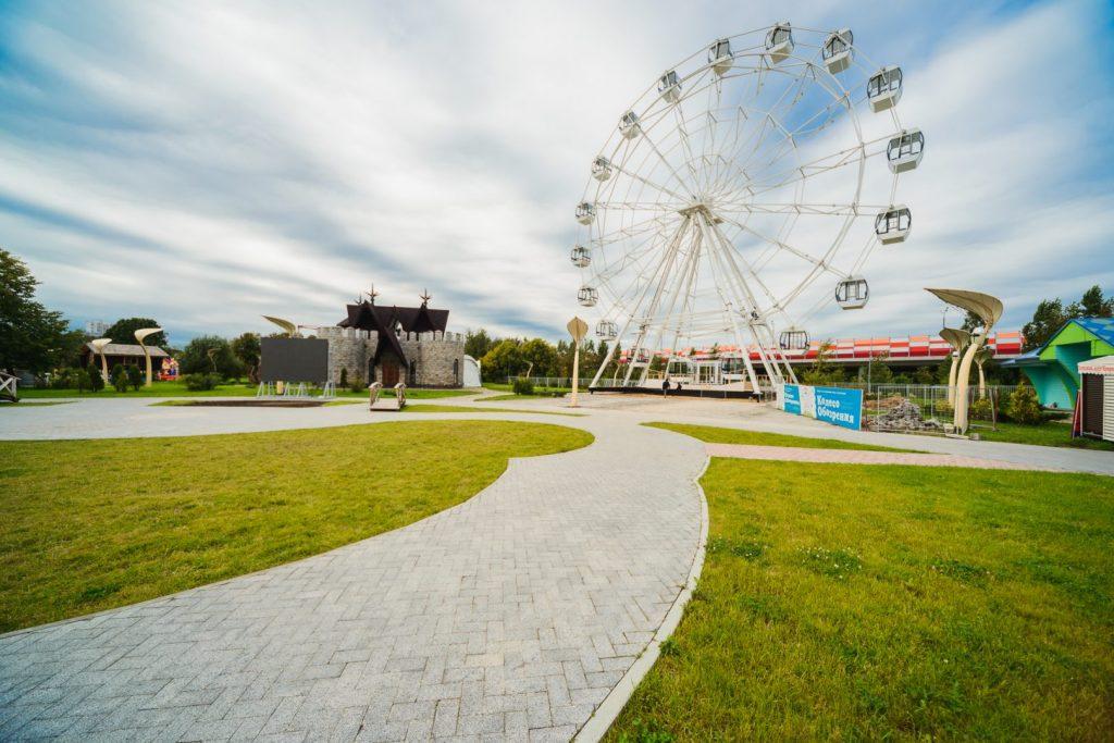 колесо обозрения в парке сказка