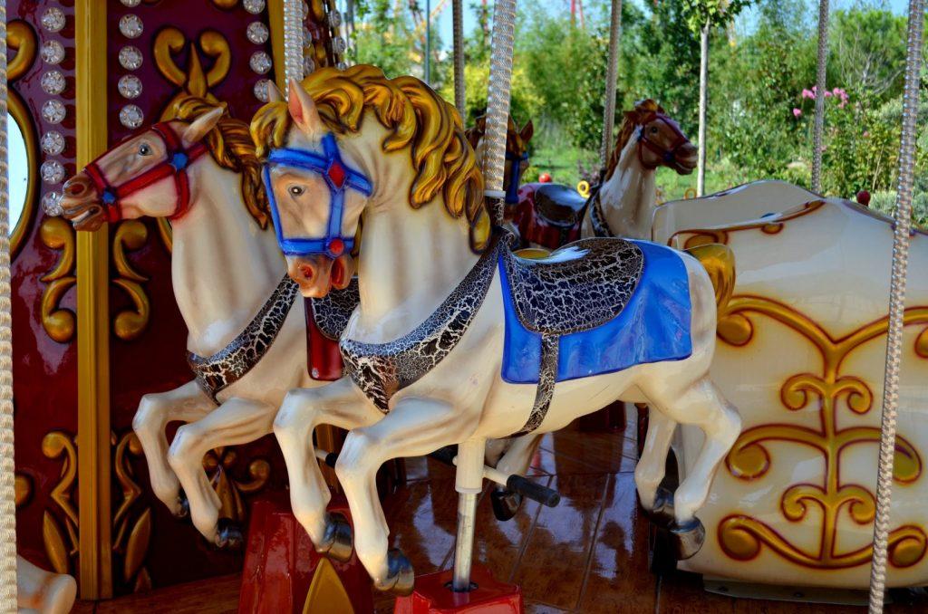 парк сказка лошадки аттракцион для детей