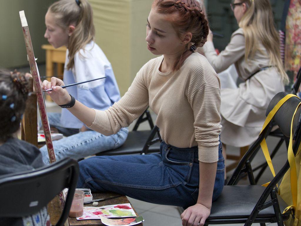 Ученики занимаются в Школе Акварели Сергея Андрияки