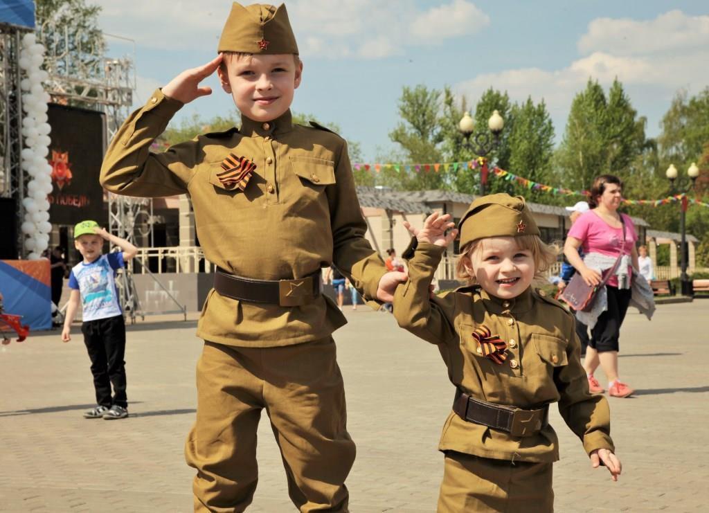 Измайловский парк в День Победы