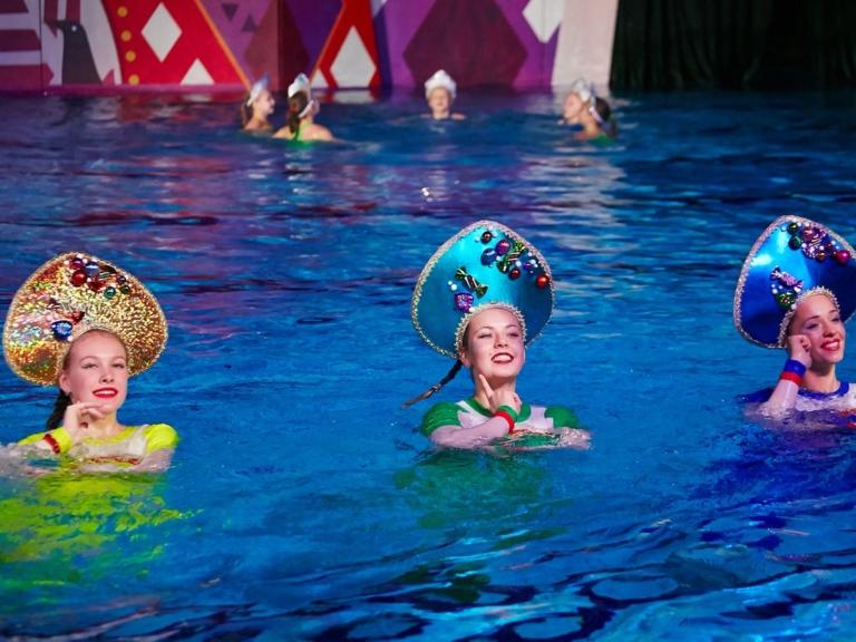 ское шоу Елены Киселевой в воде