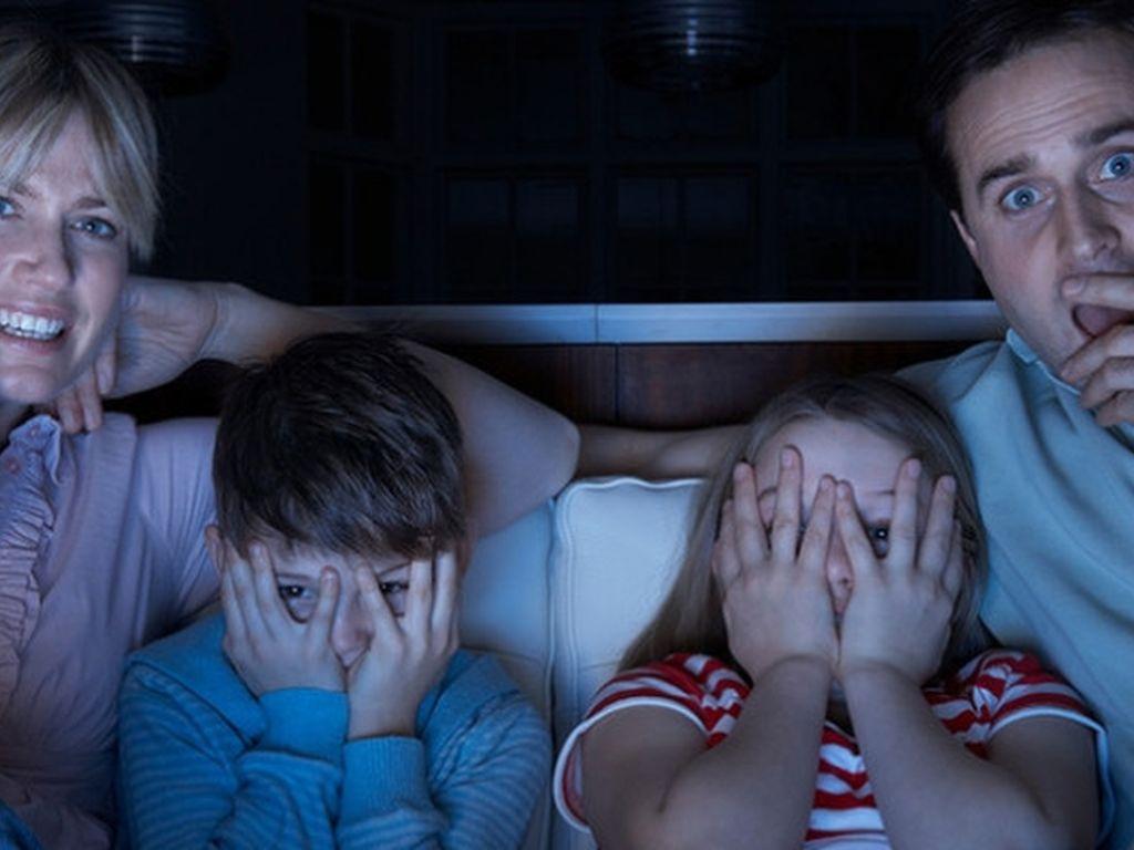 Просмотр фильмов с детьми на хэллоуин