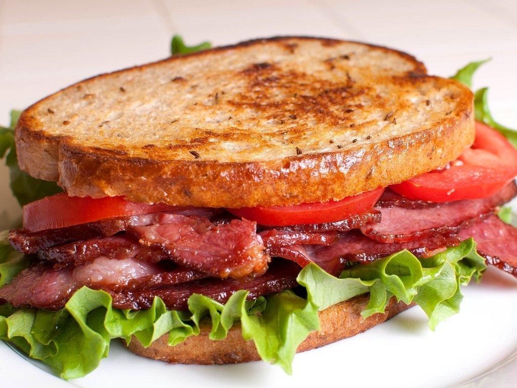 завтрак для детей - бутерброд