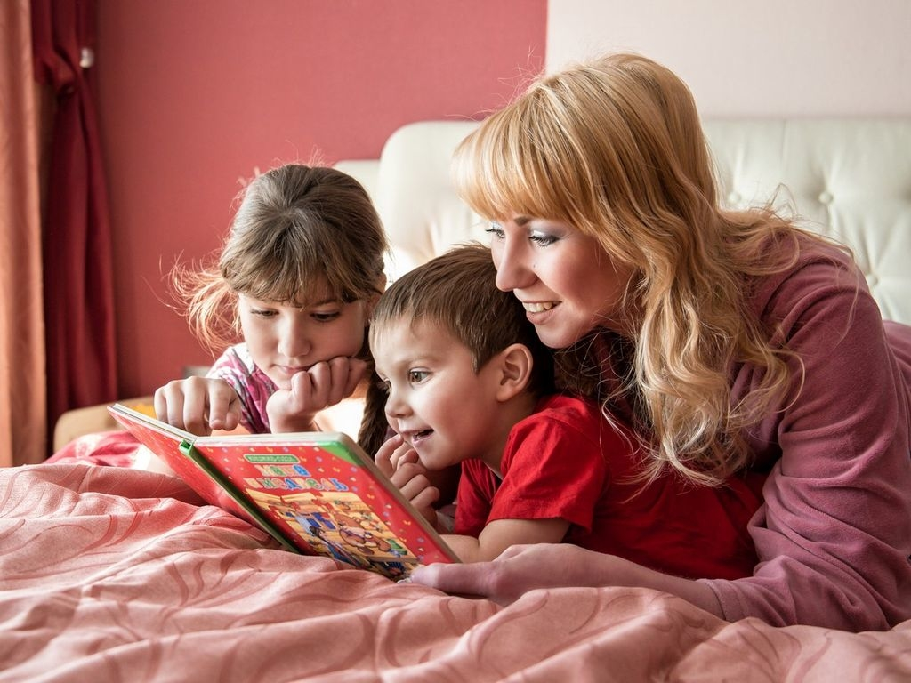Какие сказки читать детям?