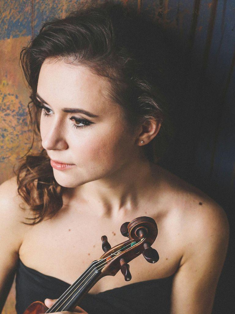 Романтичный вечер музыки скрипки