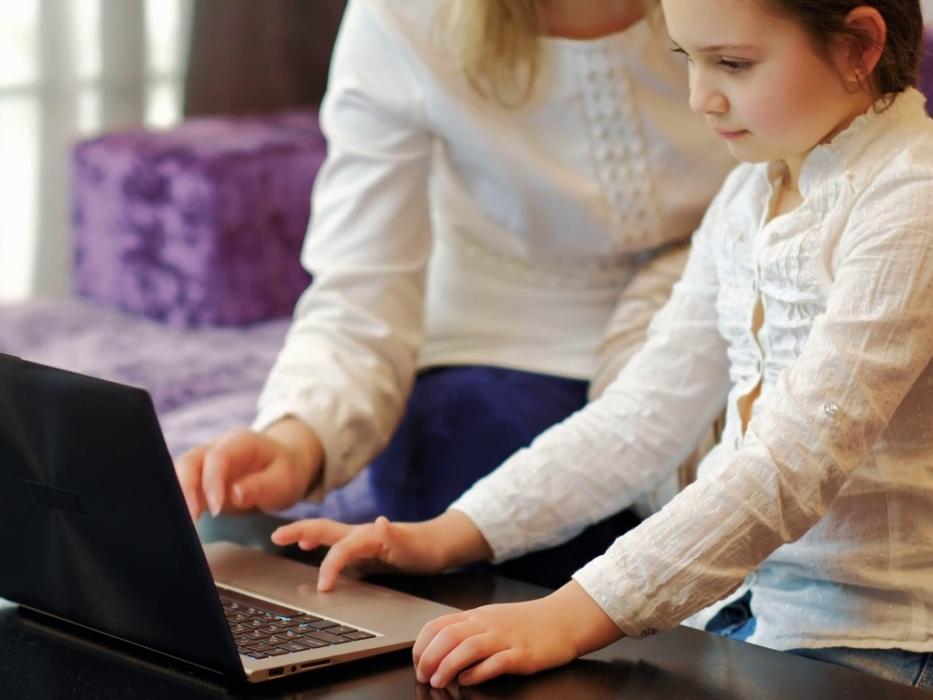 уменьшить время нахождения ребенка в интернете