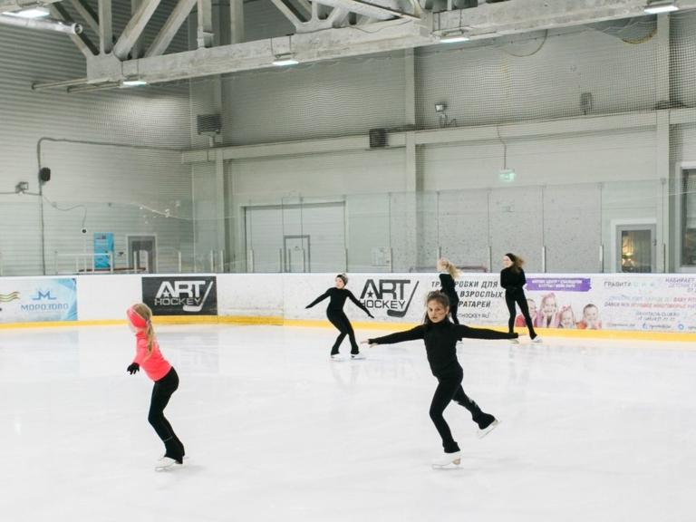 Секция фигурного катания Морозко на Арене Морозово занятия детей