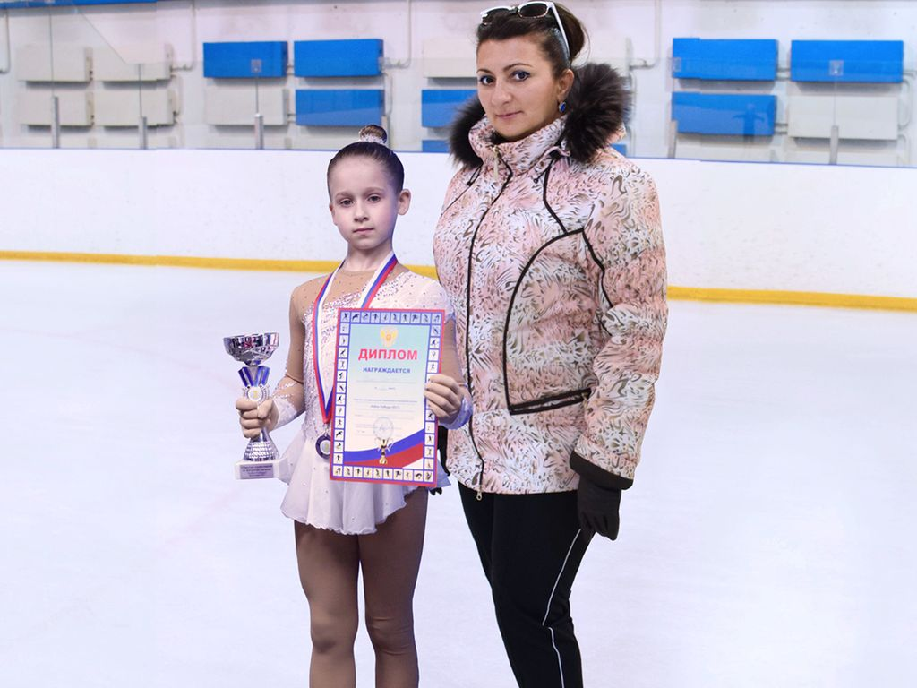 награды детей, Школа фигурного катания Олимп