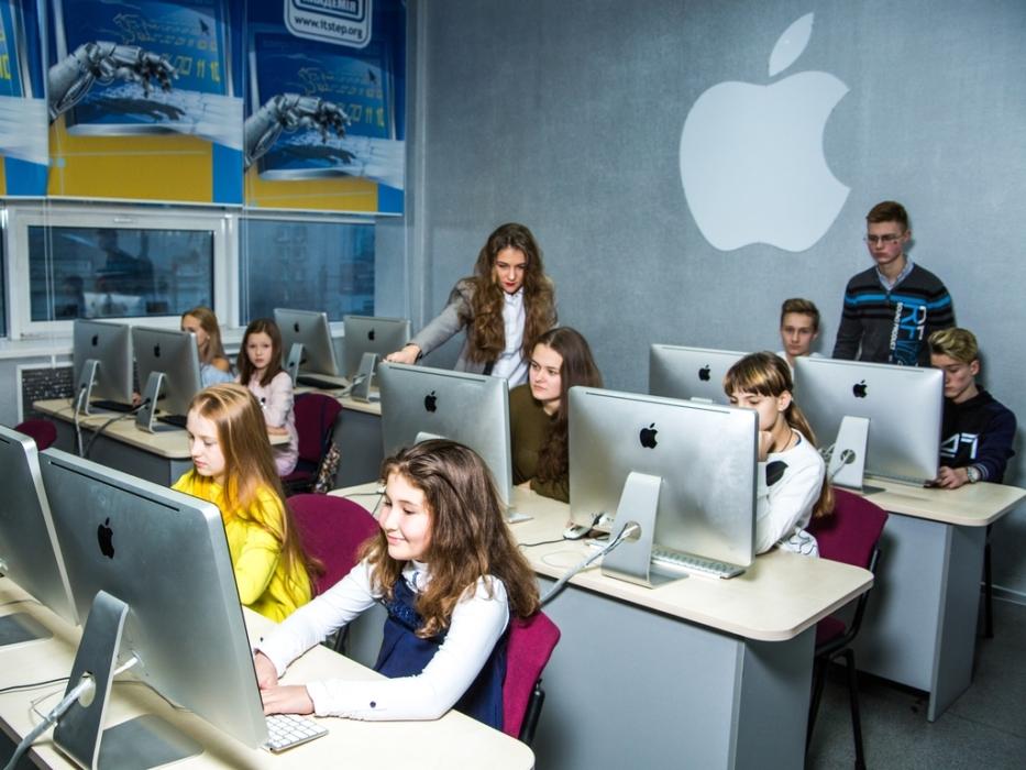 Ребенок попробует себя в качестве блогера