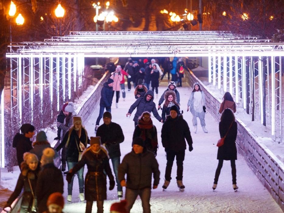 неоновая инсталляция в парке Горькова