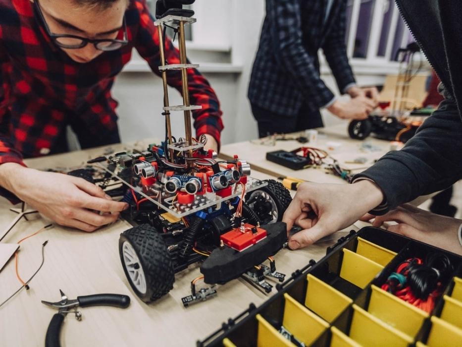 Программирование беспилотного автомобиля в Таганском парке