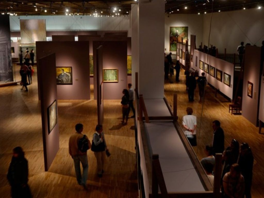 Выставка Сокровища музеев России в Ночь музеев в ЦВЗ Манеж