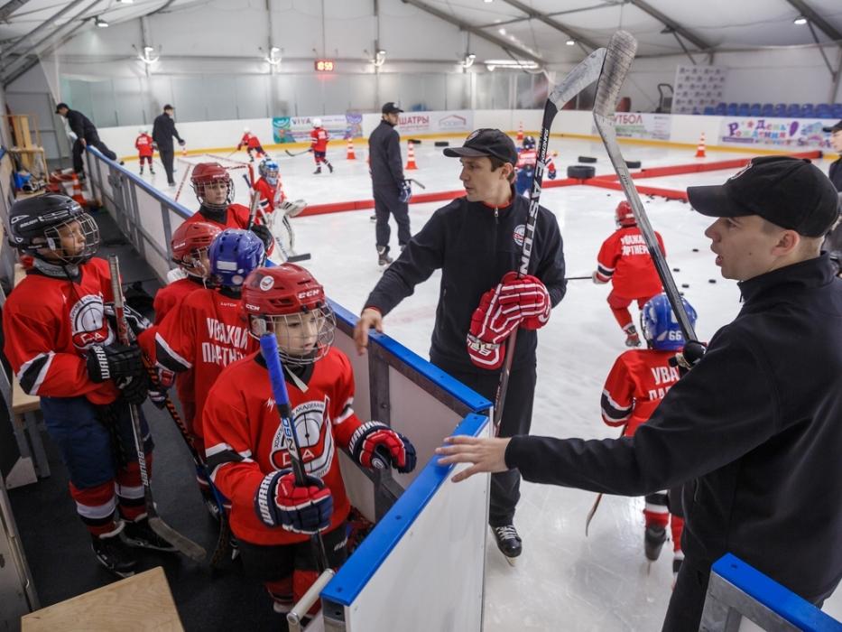 Дети выходят на рамизминку Хоккейная Академия Дениса Абдуллина