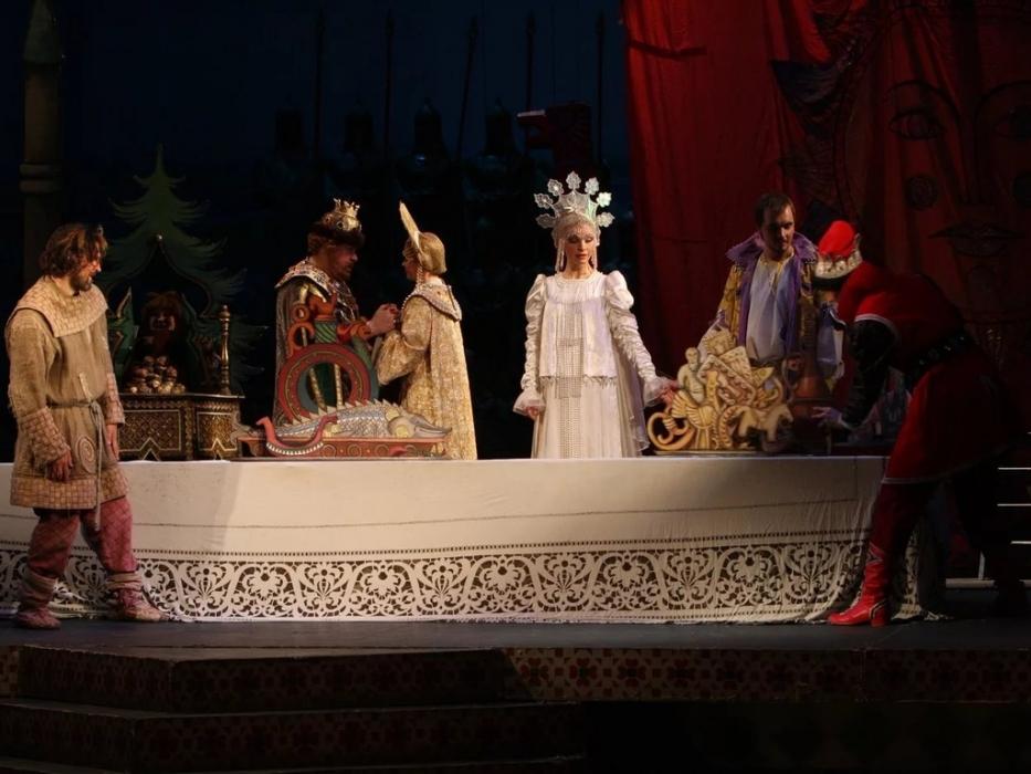 Спектакль Сказка о царе Салтане в Малом театре