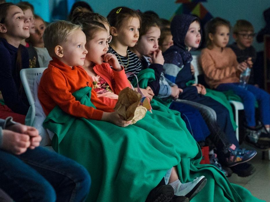 Дети на спектакле история с приведениями