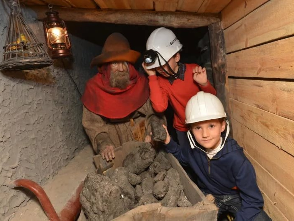 Учебная шахта в Геологическом музее