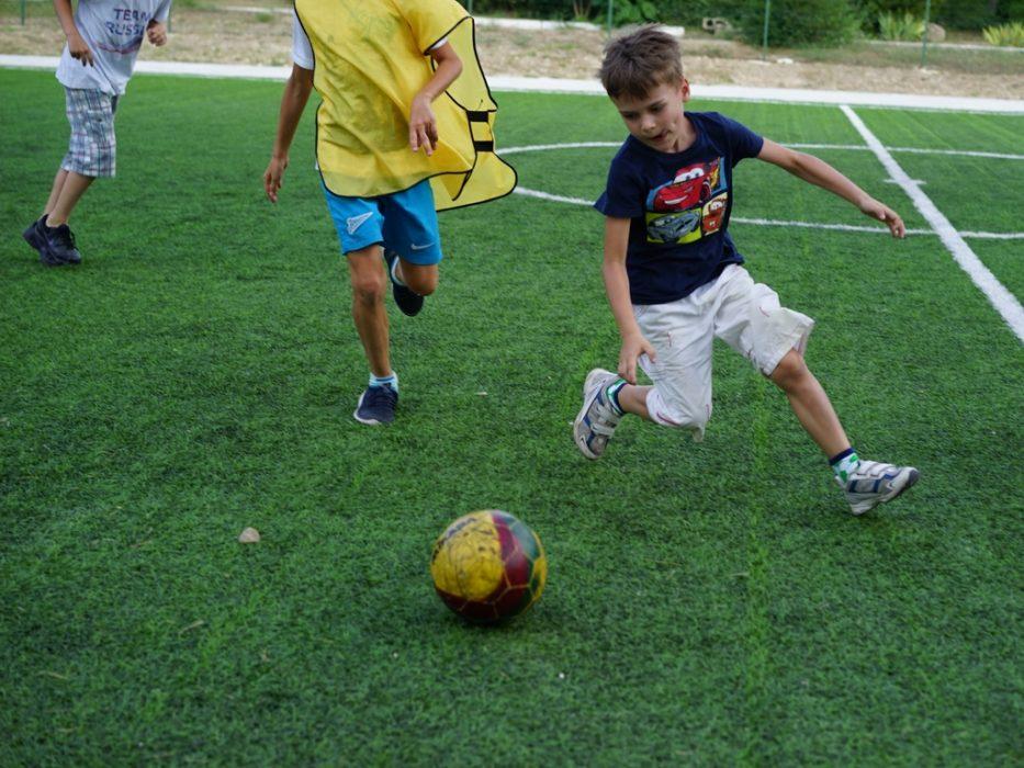 Соревнования в лагере Superheroes Summer Camp