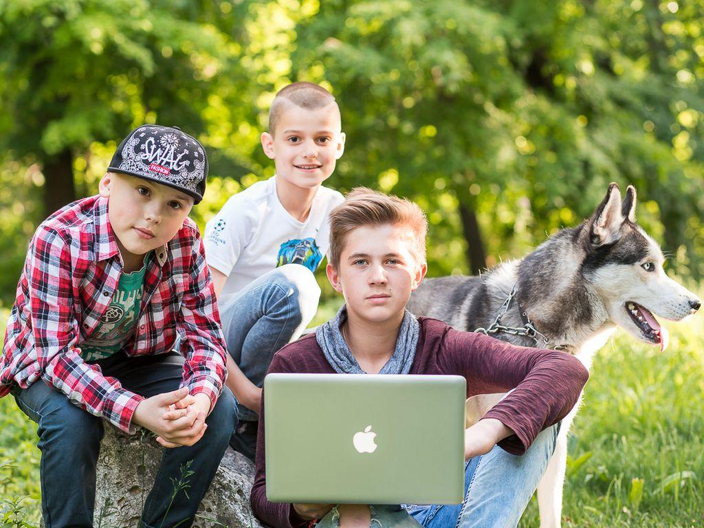 Занятия на улице с друзьями Летний лагерь Компьютерной Академии ШАГ