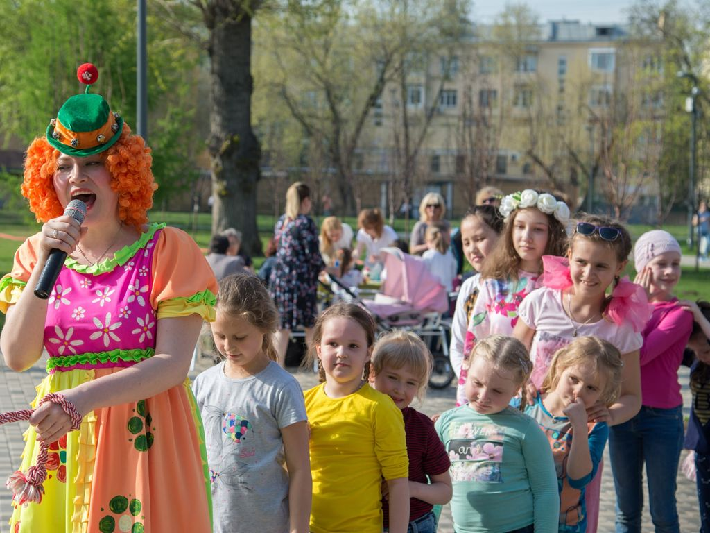 Открытие летнего сезона в етском парке им. Прямикова