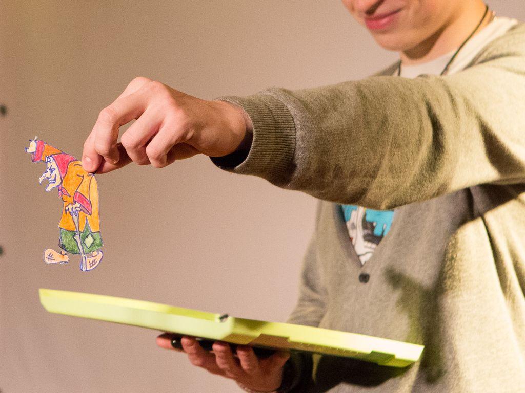 Летние занятия художественной мастерской  детской школы кино