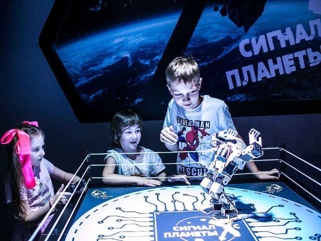 Выставка Сигнал с планеты Х