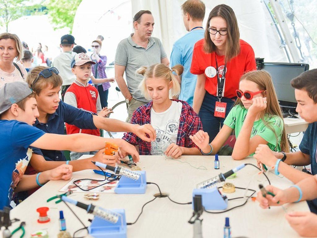 Фестиваль Maker Faire Moscow в Парке Горького