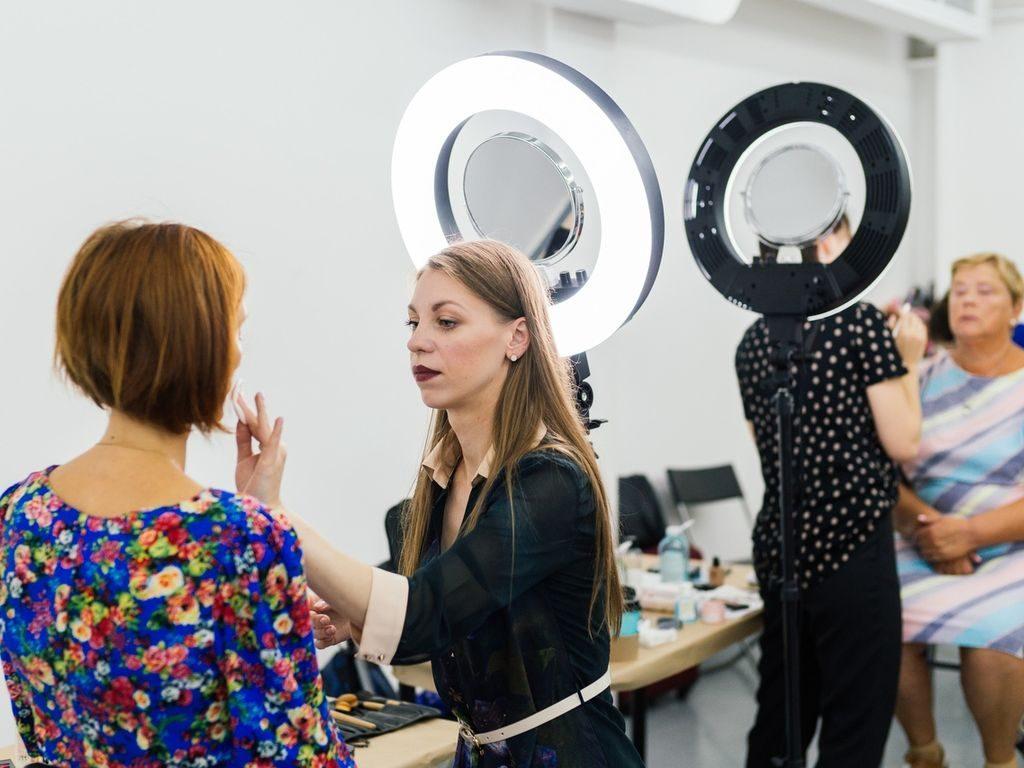 """Советы по макияжу на ярмарке на дизайн-квартале """"Флакон"""""""
