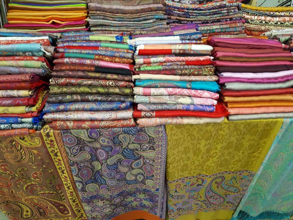 Индийский маркет и фудкорт «Delhi базар»