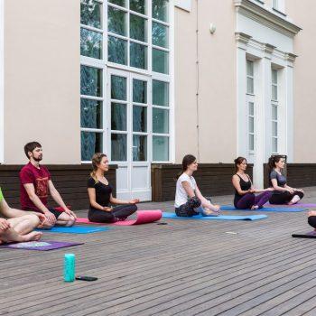 Бесплатная хатха-йога в Москве
