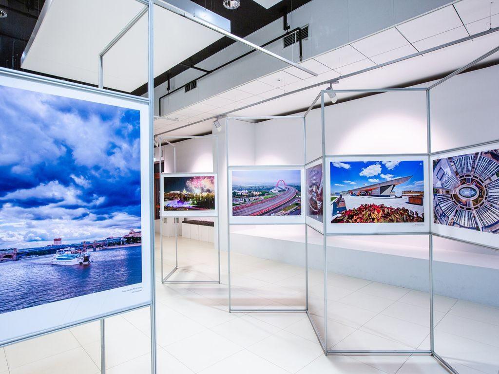 Экспонаты на фотовыставке Москва: территория развития