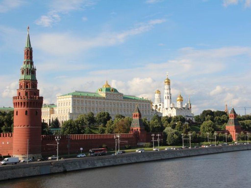 Лучшие экскурсии декабря в Москве
