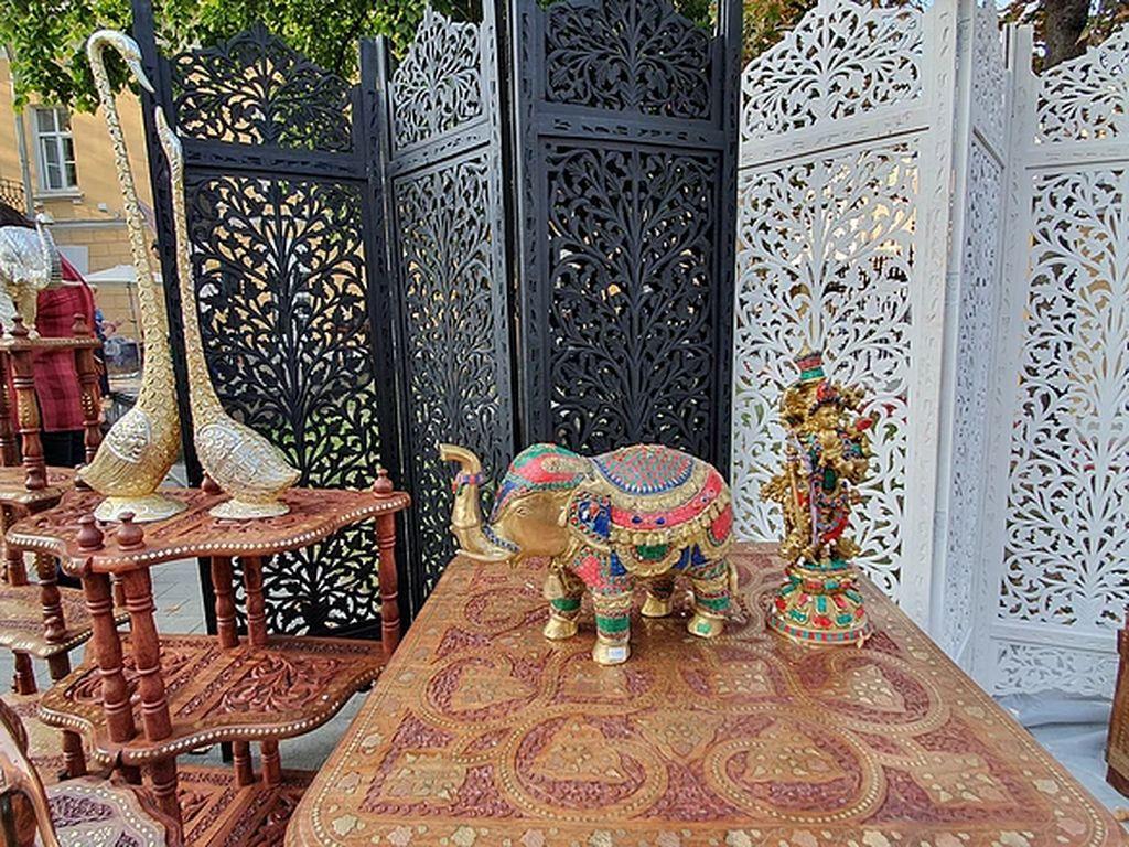 Индийский маркет и фудкорт Delhi базар