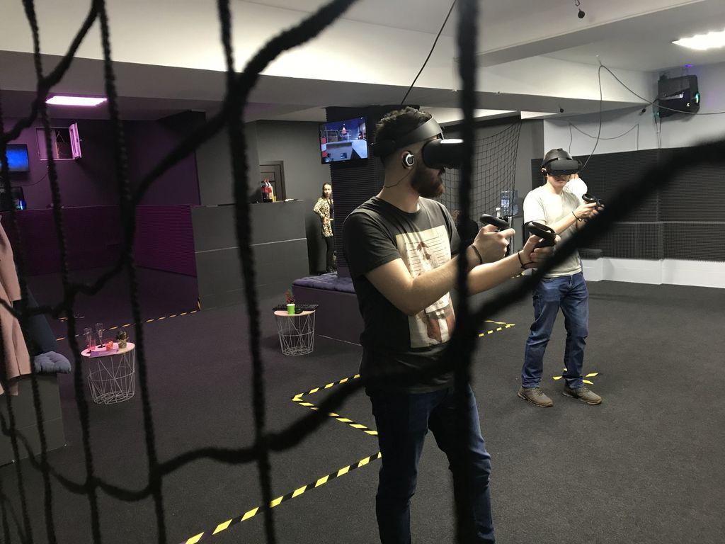 Игры с друзьями в OMG VR