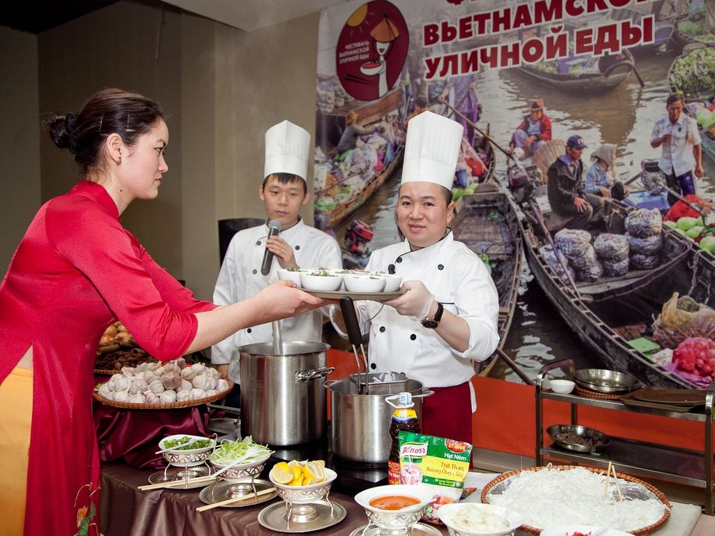 Фестиваль вьетнамской уличной еды в ТЦ Ханой-Москва