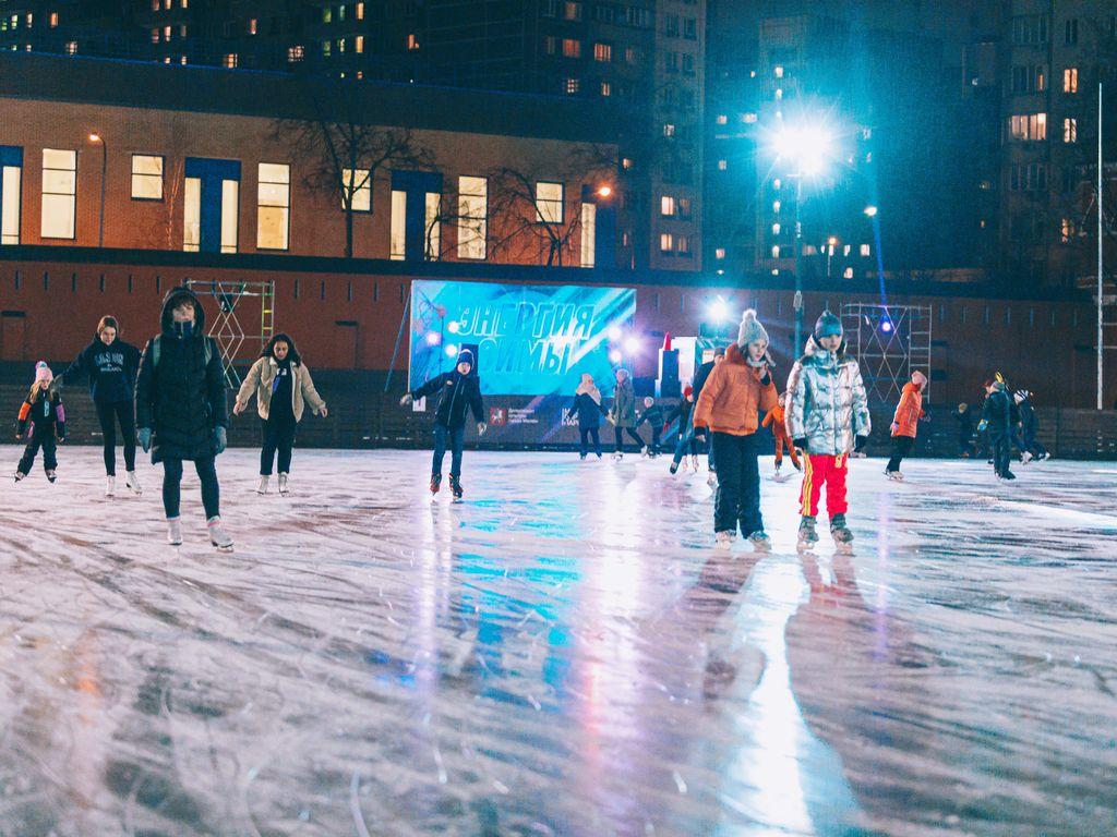 DJ-вечеринка на катке Электронный лед