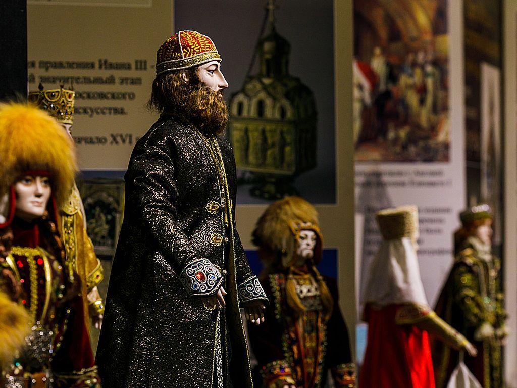 Костюм на куклахы в Музее кукол