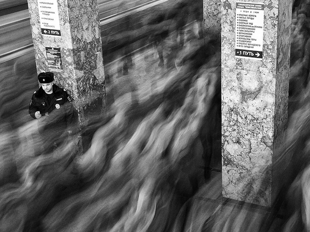 Выставка движение масс. Московское метро в объективе Дмитрия Зверева