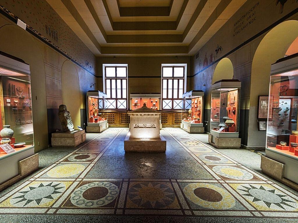 Экспонаты в Государственном историческом музее Москвы