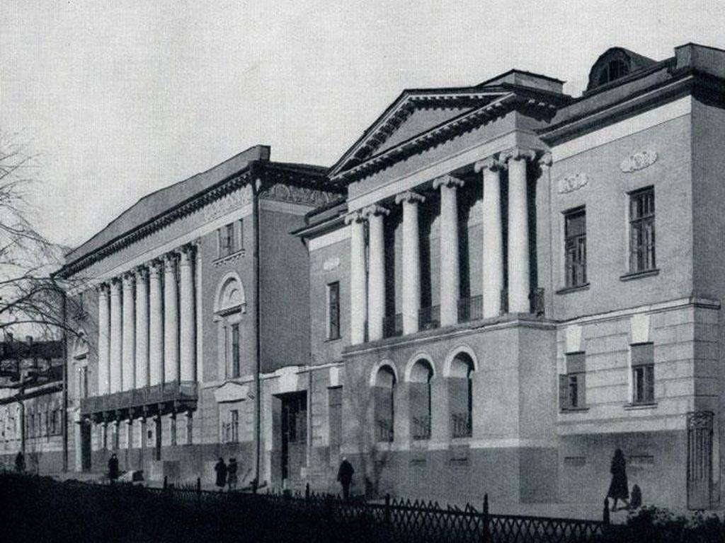 Главное здание музея Востока в Москве