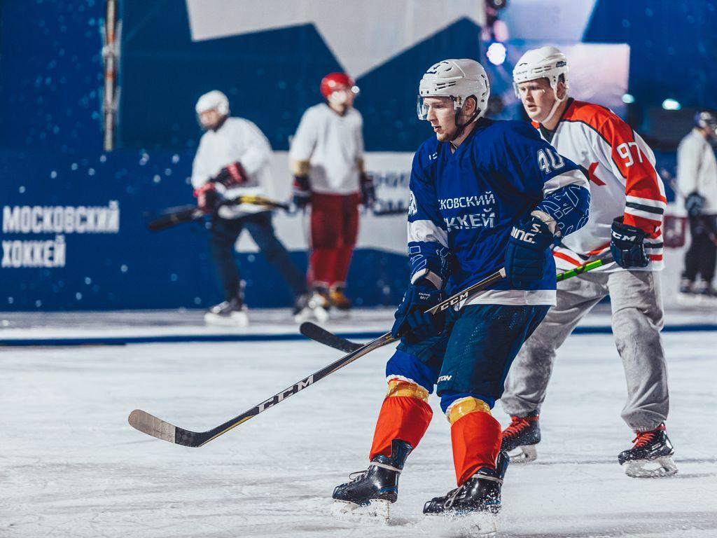 Хоккейный турнир в Таганском парке