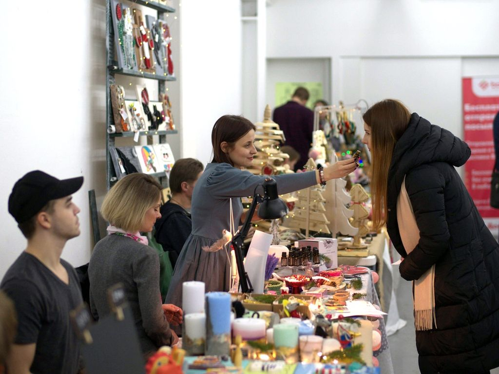 Маркет на Весенней ярмарке Happy market во Флаконе