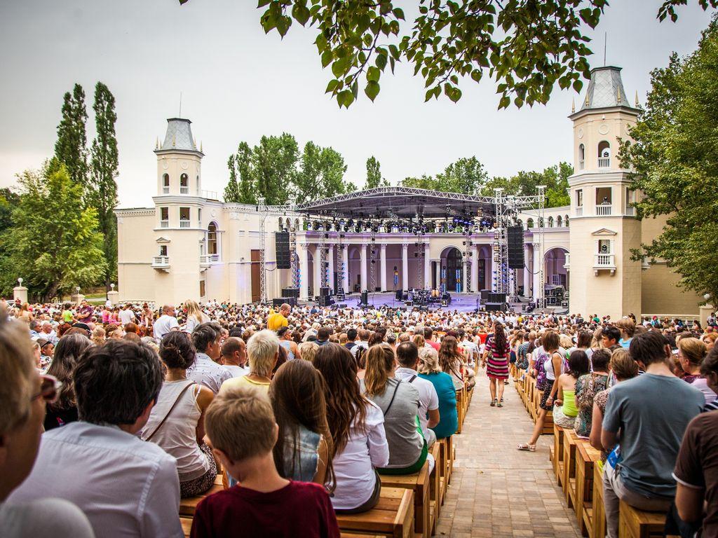 Концерты русских и зарубежных звезд на ВДНХ